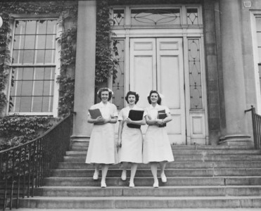 Meyer Memorial Hospital, nurses on steps, University Archives, 1940-1943, call number: 85GG:2 © UB Archives   Please contact University Archives at lib-archives@buffalo.edu for permission to use this image.