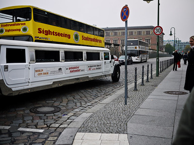 Take your pick - Sightseeing Bus or Sightseeing Limo