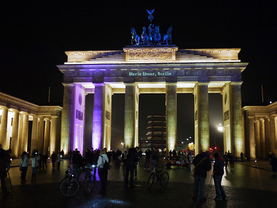 Zoya left for London, we relaxed the rest of the day. Came out for a brief look at the lit up Branderburg gate.