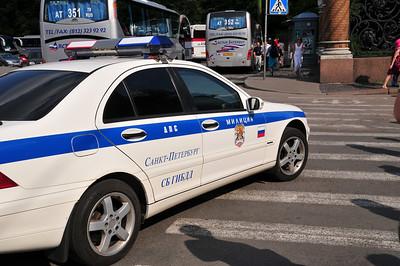 Милиция должна ездить на машинах не хуже бандитов