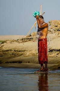 Хорошо, что в Бирме зимы не долгие
