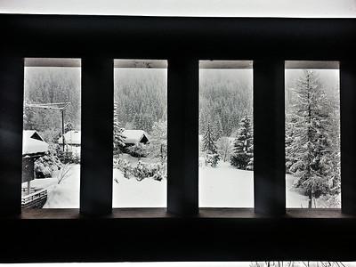 Вид из окна после снегопада
