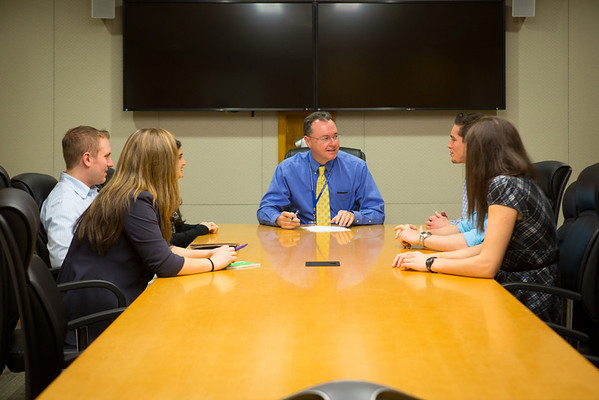 School of Pharmacy Dean James O'Donnell Meeting with Students in Kapoor Hall<br /> <br /> Photographer: Douglas Levere