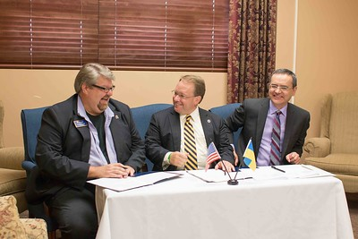 Institutional Agreement Signing