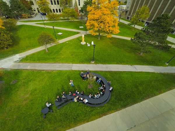 Architecture class by Michael Beitz table on South Campus<br /> <br /> Photographer: Douglas Levere