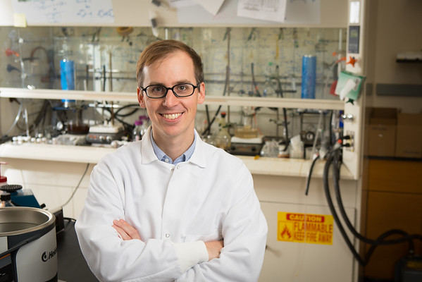 Timothy Cook in a chemistry lab in the Natural Sciences Complex<br /> <br /> Photographer: Douglas Levere