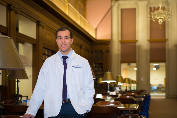 Portrait of medical student Dean Salem in the health sciences library<br /> <br /> Photographer: Douglas Levere