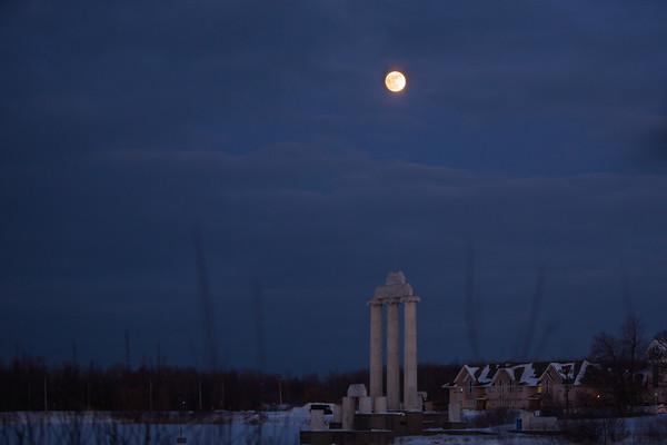 180030 Campus Life, Super Blue Full Moon, Baird Point