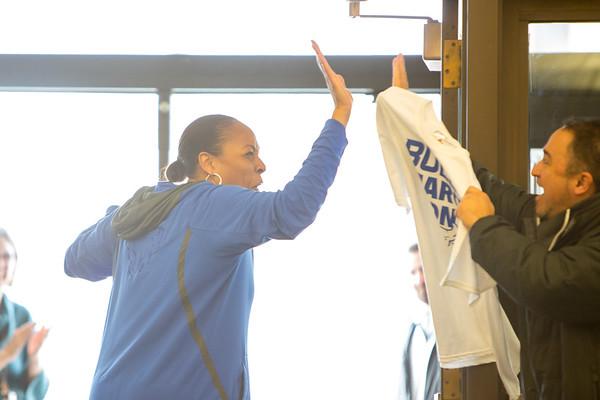 180086, Athletics, womens basketball, walk to victory, send off, Alumni