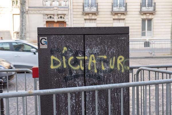 Yellow Vest Graffiti