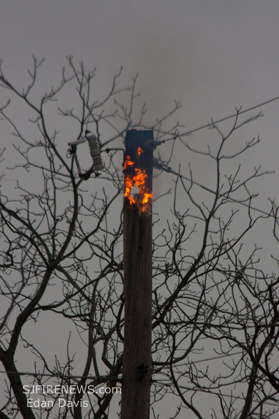 11-10-2011, Utility Pole, Pittsgrove Twp  Olivet Rd  and Husted Station Rd  (C) Edan Davis, sjfirenews com (1)