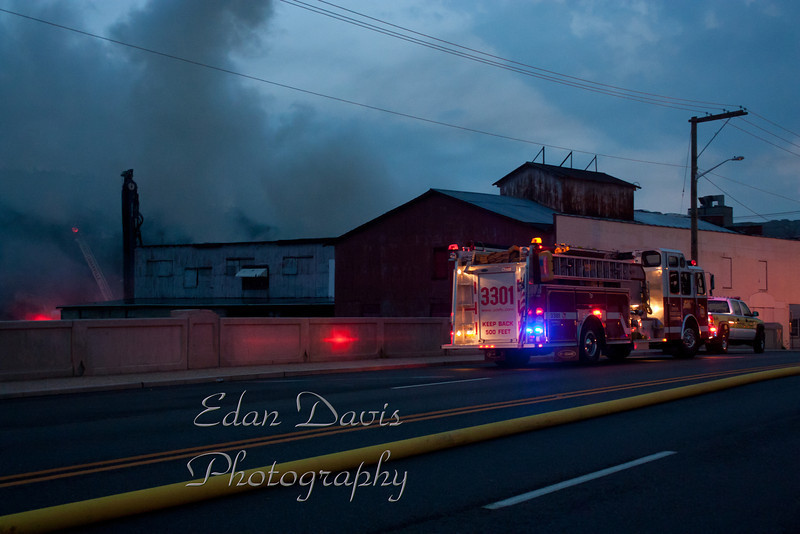 07-25-2011, 4th Alarm Building, Bridgeton City, 12 W  Broad St  (C) Edan Davis, sjfirenews com