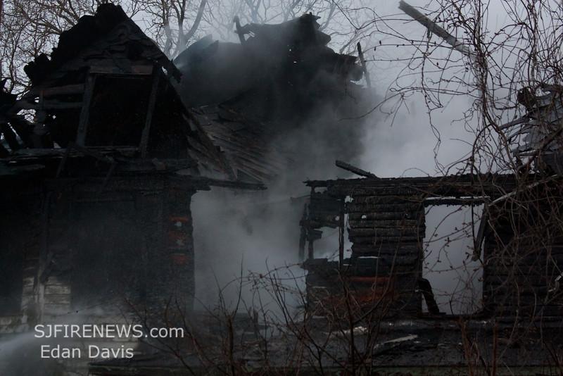 04-01-2012, Dwelling, Woolwich Twp, Kings Hwy, (C) Edan Davis, www sjfirenews com (17)