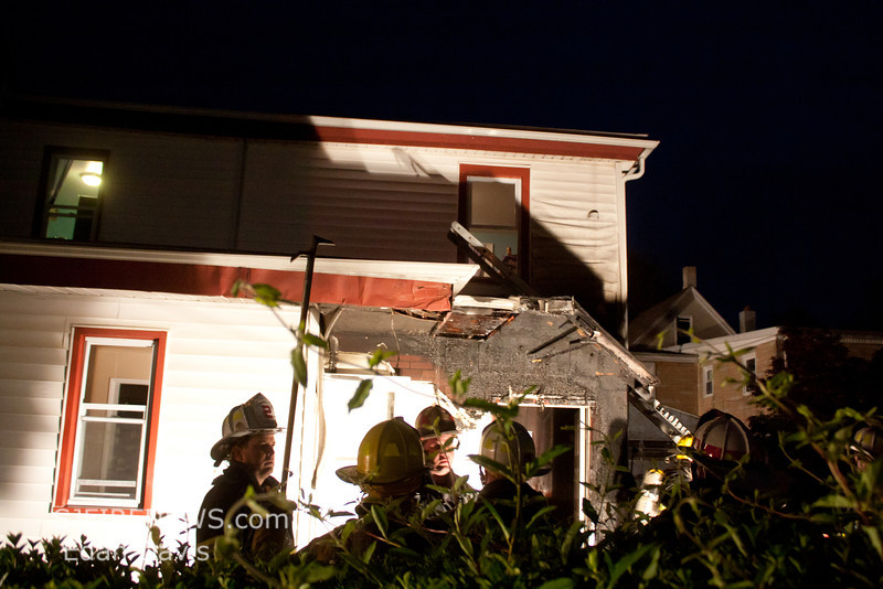 04-14-2012, Dwelling, Vineland, Grape St  and S, W  Blvd  (C) Edan Davis, www sjfirenews com (1)