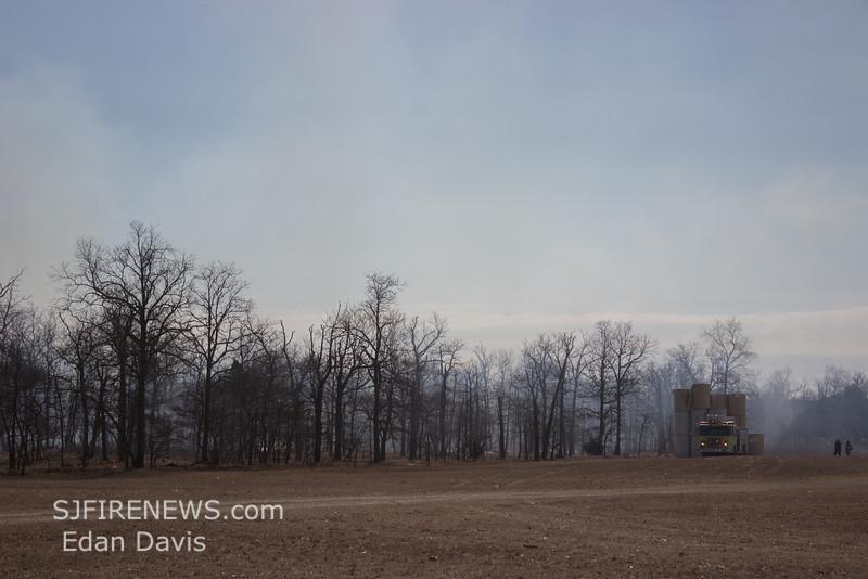 03-01-2014, Woods, Vineland, Almond Rd  (C) Edan Davis, www sjfirenews (2)