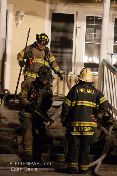 01-27-2015, All Hands Dwelling, Vineland, E  Elmer St  and S  East Ave  (C) Edan Davis, www sjfirenews com  (38)