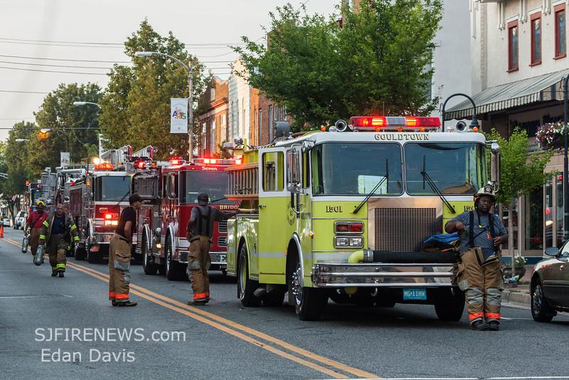 07-29-2015, 4 Alarm Commercial Structure, 19 N  High St  Millville, (C) Edan Davis, www sjfirenews (93)