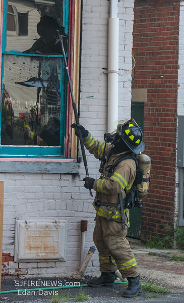 07-29-2015, 4 Alarm Commercial Structure, 19 N  High St  Millville, (C) Edan Davis, www sjfirenews (28)