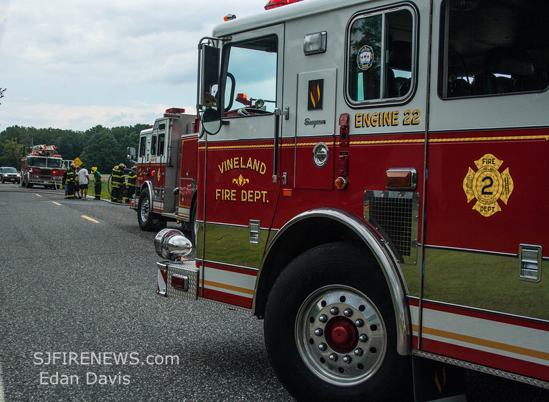 08-09-2015, Vehicle, Vineland, Hance Bridge Rd  (C) Edan Davis, www sjfirenews (5)