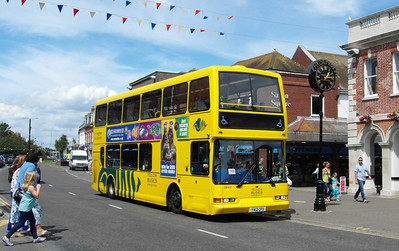 412 - Y412CFX - Christchurch (high street) - 6.8.13
