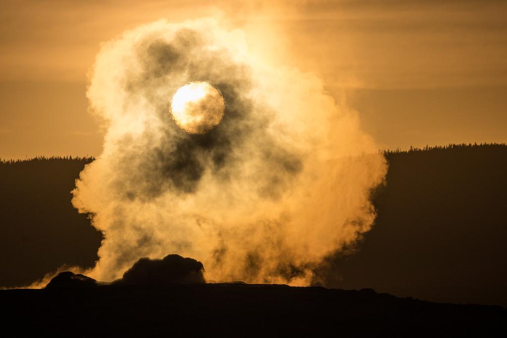 IMAGE: https://photos.smugmug.com/Yellowstone-2016/i-bpv4rFs/0/XL/ys%2022-478-XL.jpg