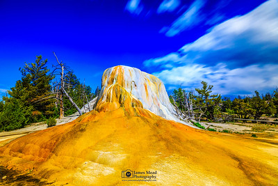 Orange Spring Mound, Yellowstone National Park