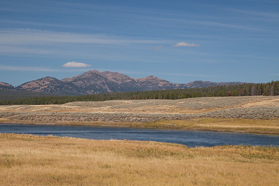 Yellowstone River in Hayden Valley, Yellowstone.