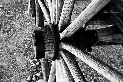 wagon wheel bw-sm_6748