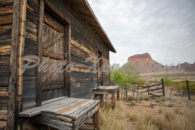 cabin mountain_9548