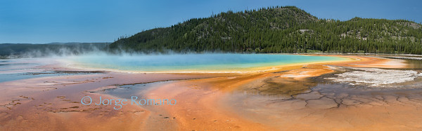 Panorama of Grand Prismatic Spring in Yellowstone middle geyser basin.
