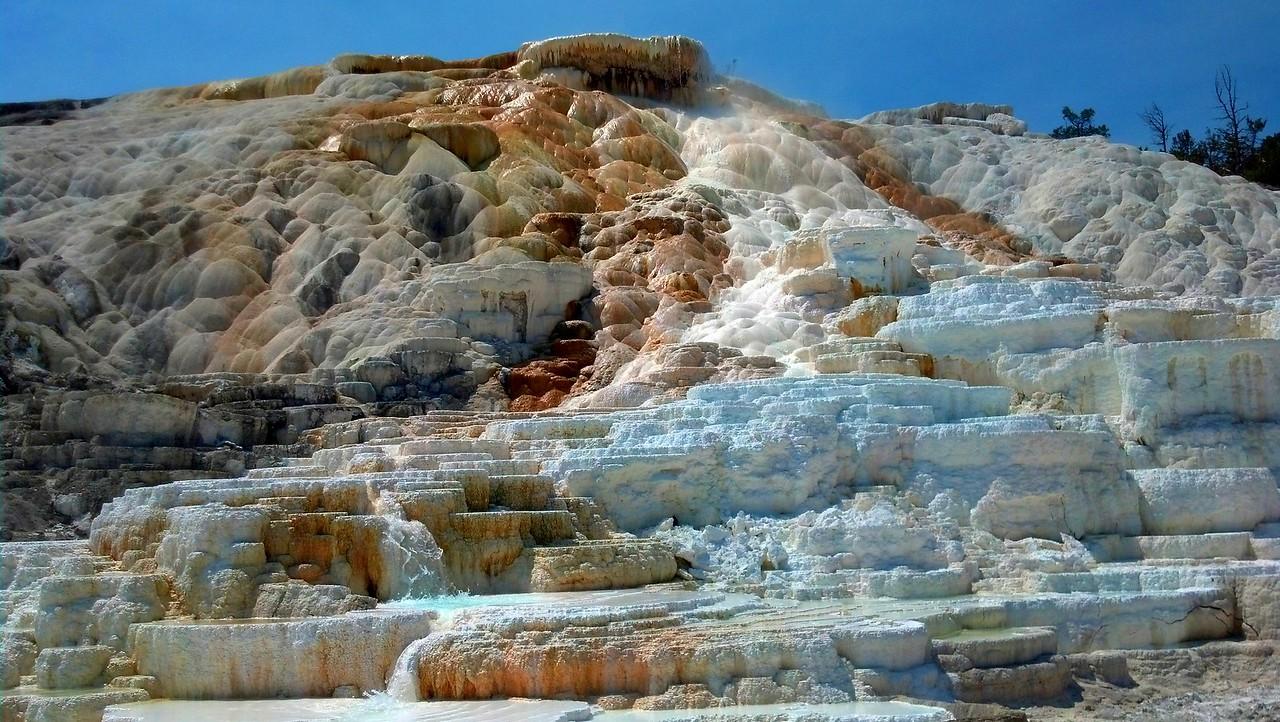 Yellowstone - Mammoth Hot Spring
