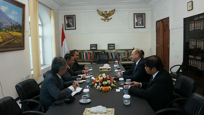 2013-12-09 Yemen Sanaa Meeting Ambassadors of Indonesia and Malaysia