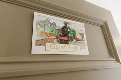 city-of-wells-18036-001