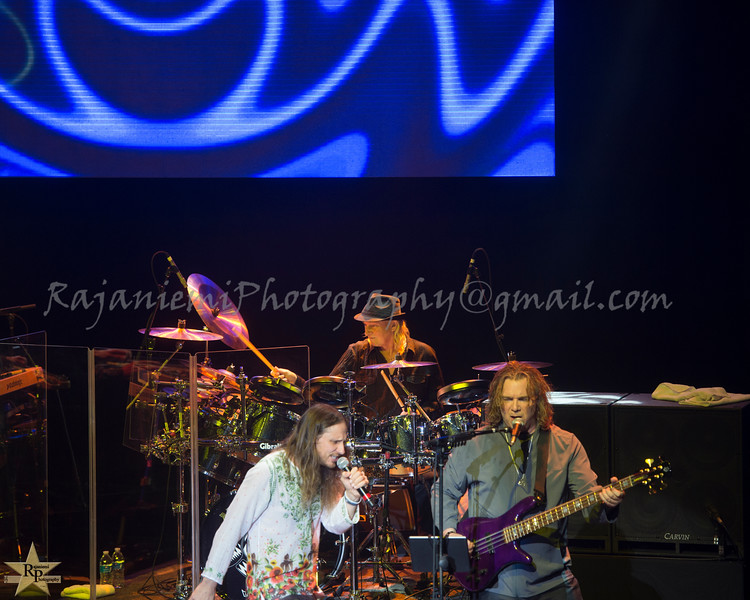 Jon Davison, Billy Sherwood, and Alan White