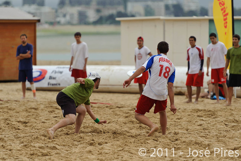 Yes But Nau 2011.<br /> Semi. Jacksun's vs  France Beach Open<br /> PhotoID : 2011-06-13-0120