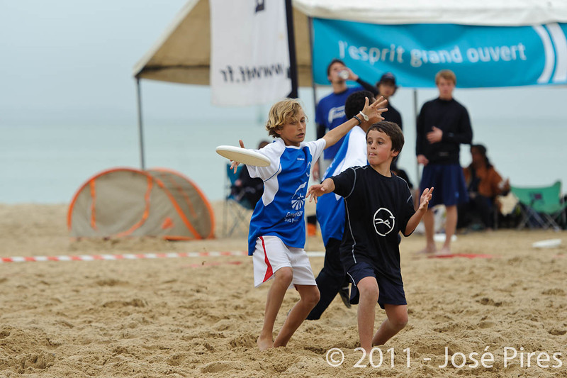 Yes But Nau 2011.<br /> Match demo Juniors.<br /> PhotoID : 2011-06-13-0225