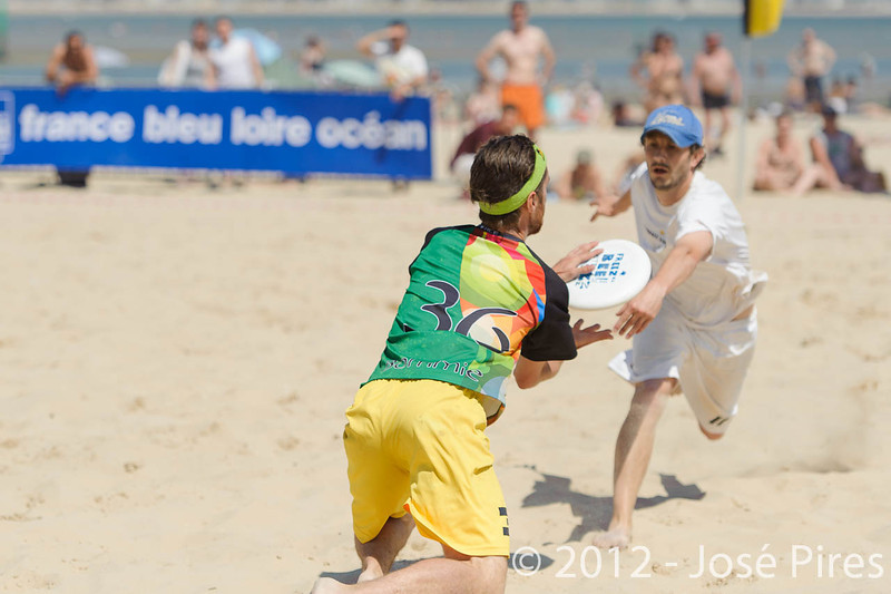 Yes But Nau 2012.<br /> Finale Elite. Ultimate Vibration vs Triips.<br /> Plage du Nau.  Le Pouliguen<br /> PhotoID : 2012-05-28-0653