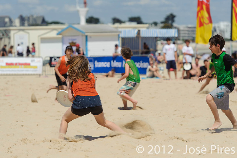Yes But Nau 2012.<br /> Match exhibition juniors.<br /> Plage du Nau.  Le Pouliguen<br /> PhotoID : 2012-05-28-0381