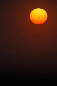 Solpletter ved Kyndelmisse, Low winter sun with sun spots AR1967, February 3rd, 2014, Lille Vildmose, Denmark