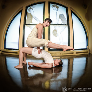 Sandhi Ferreira and April Dechagas practice Acroyoga