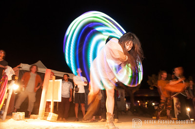 Miss Lulu Lam hula hooping at Bhakti Fest