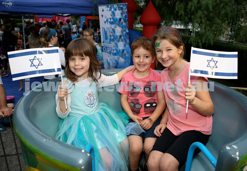 Yom Haatzmaut fair at Moriah College. (from left) Dafi Behrman, Jessie Same, Tali Same. Pic Noel Kessel.