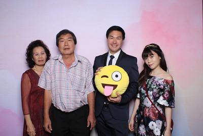 Yong Huan + Wynne Photobooth Album (W/O Overlay)