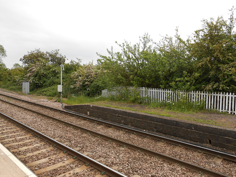 Pic by Liz <br /> <br /> Shot of the old part of the Leeds bound platform that now derelict