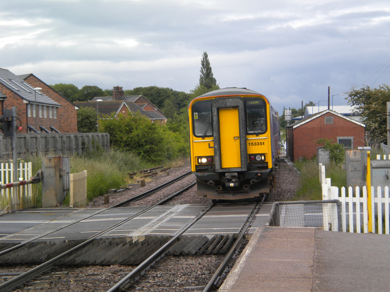153 351 + 150275 <br /> <br /> Arrive Whitley Bridge <br /> <br /> 2F30 18.49 Goole - Leeds <br /> <br /> 12th June 2013