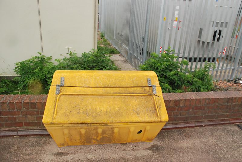 Grit box on Leeds bound platform