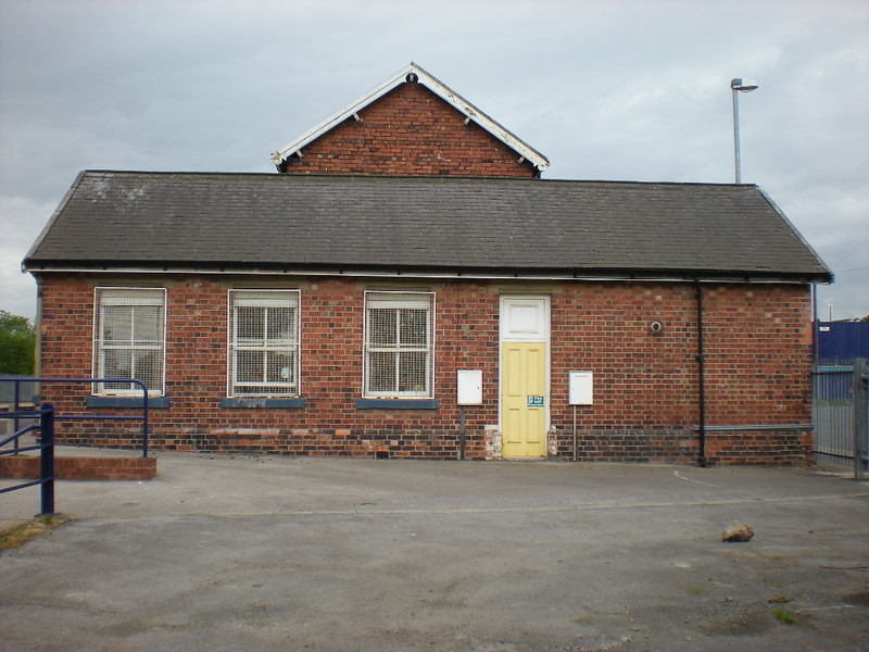 picture by Liz:<br /> <br /> one end of the station buildings