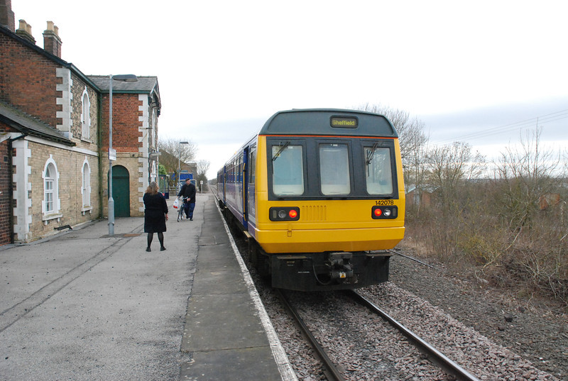 142 078 <br /> <br /> waits time at Kirton Lindsey <br /> <br /> working <br /> <br /> 15.13 Cleethorpes - Sheffield