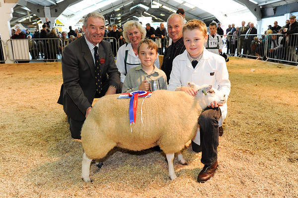 CSL 14 Supreme Single Lamb L-R Judhe Alex Brown, Shelly Clough, Jake Clough (9), Ian Clough and Max Clough (12) from Pickering with their Dutch Texel