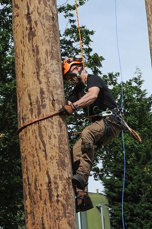 GYS 14 _185_Pole climbing champs